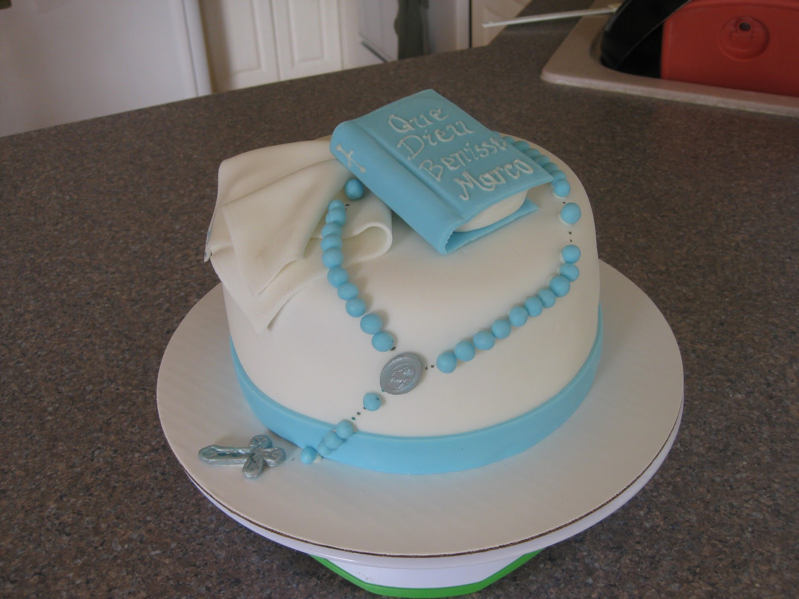 Polystyrene close book for cake design