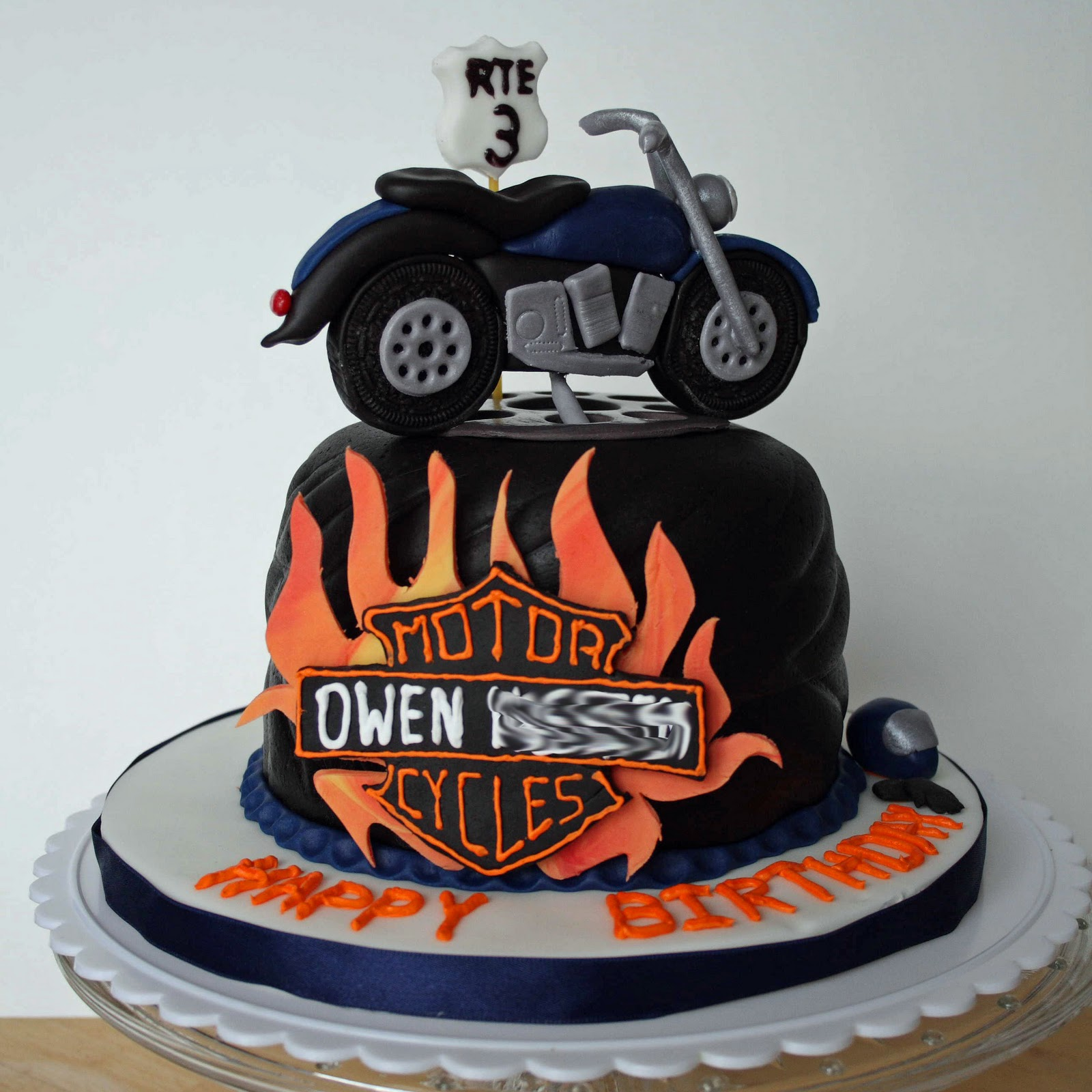 Motorcycle form to decorate birthday cake